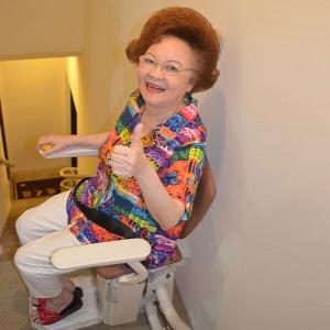 泓電樓梯升降椅 送給媽媽的呵護