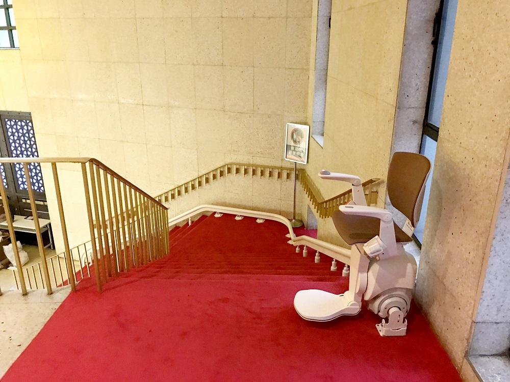 Otolift-Modul-Air 彎曲型樓梯升降椅