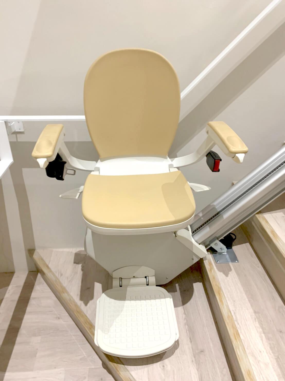 鄰恩診所樓梯升降椅安裝