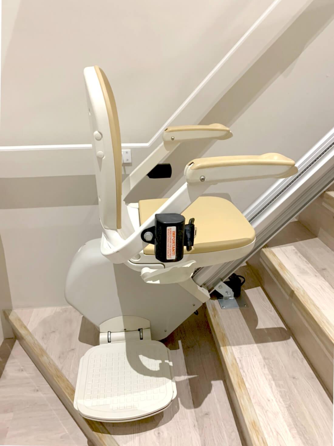 ACORN直線型樓梯升降椅