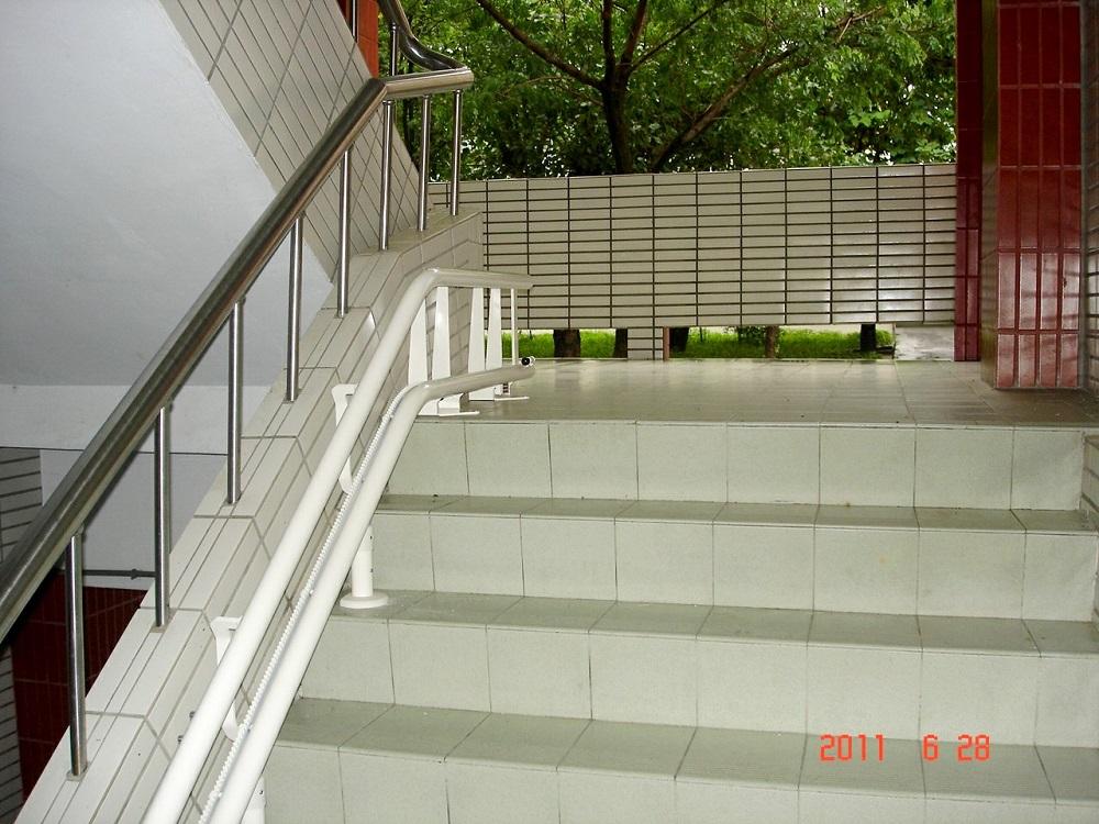 陽明工商樓梯升降椅