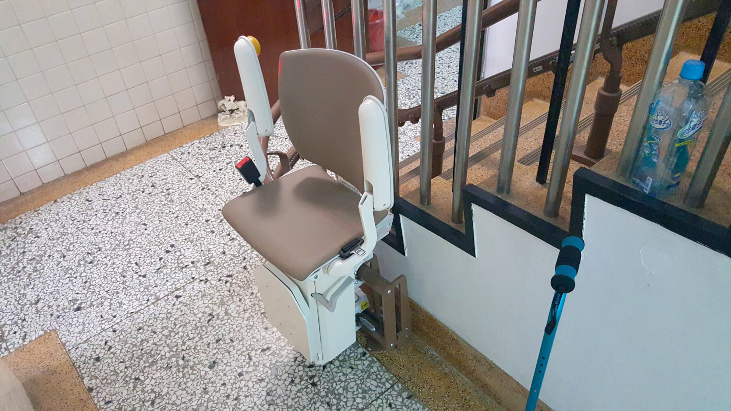 邱內科醫院樓梯升降椅安裝
