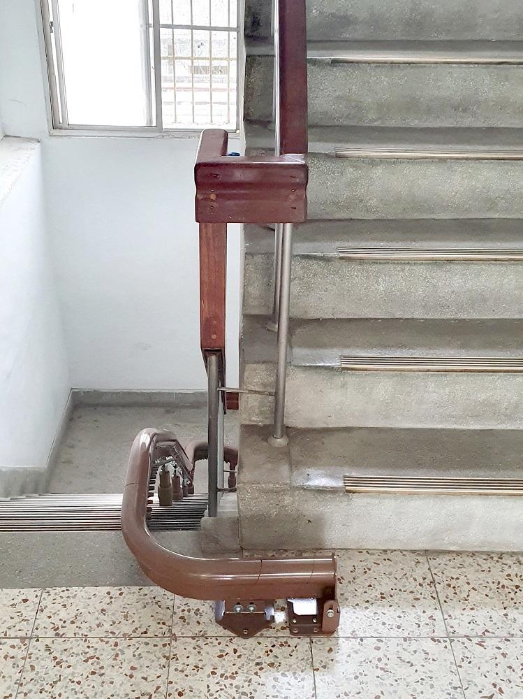 彰化監獄樓梯升降椅