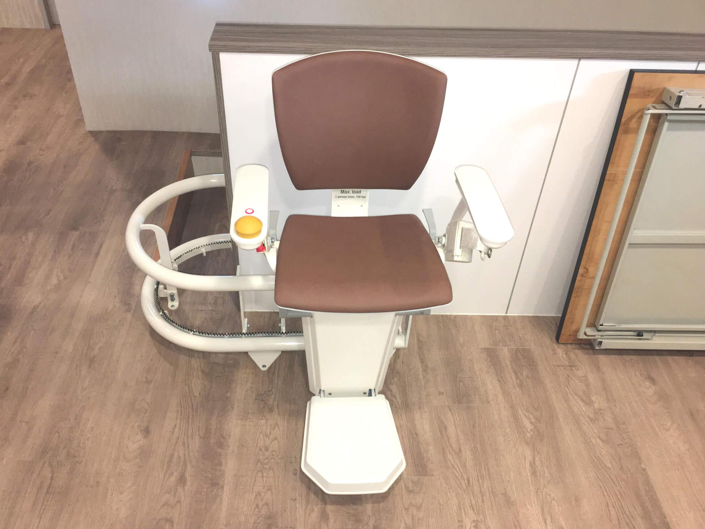 永新診所樓梯升降椅安裝