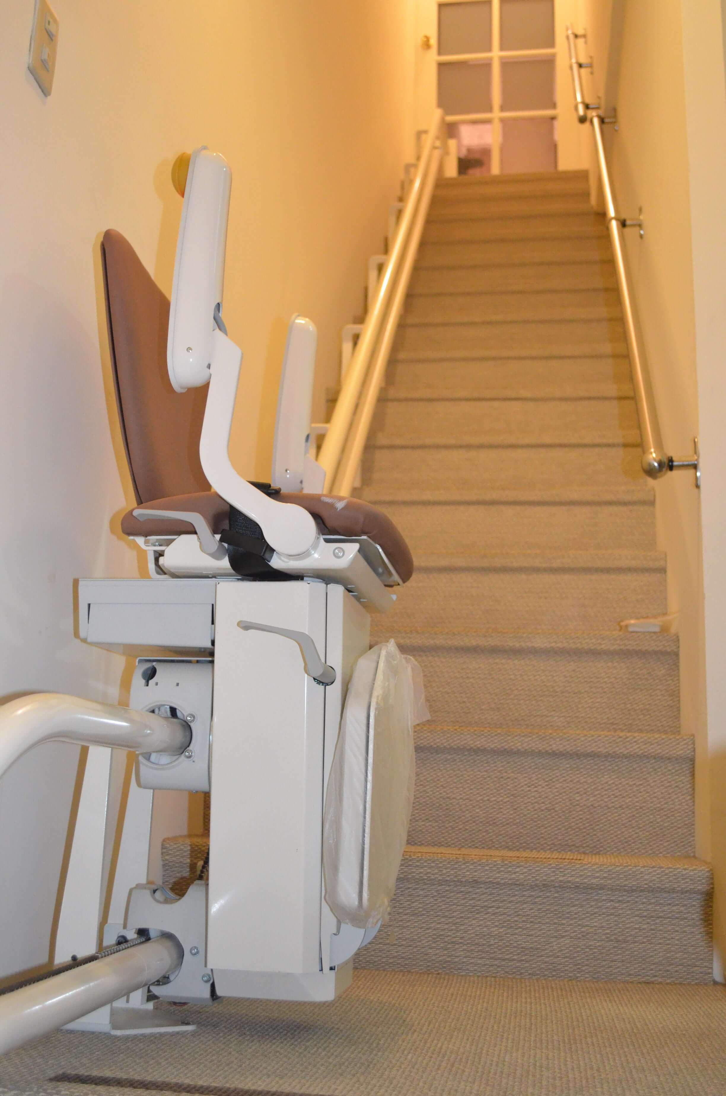 泓電進口直線型樓梯升降椅