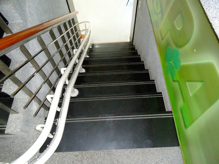 秀傳醫院樓梯升降椅