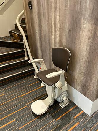 臻心復健科診所樓梯升降椅安裝