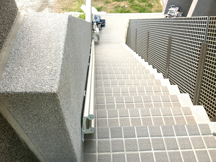 觀樹教育基金會樓梯升降椅安裝