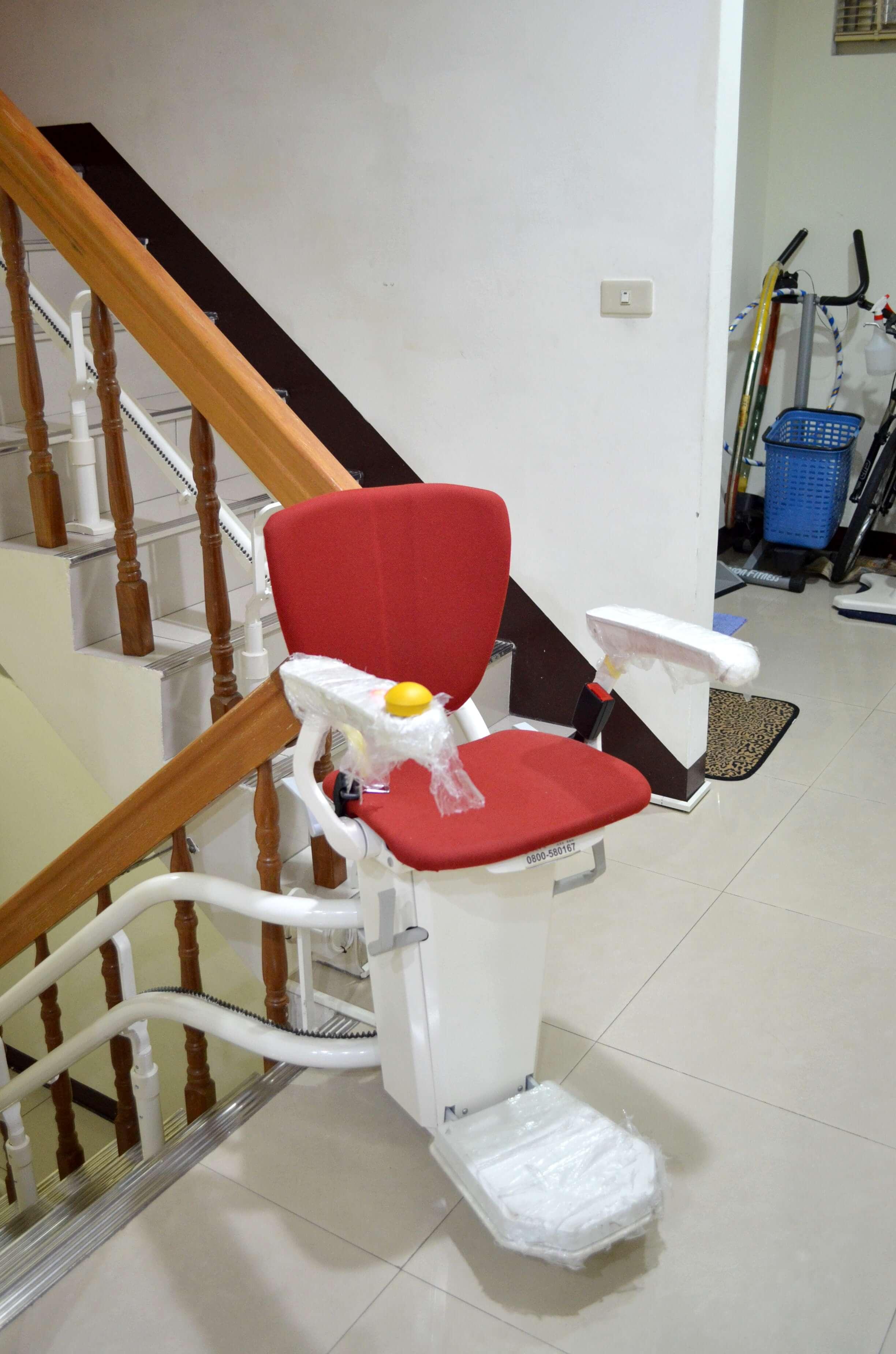 泓電樓梯座椅