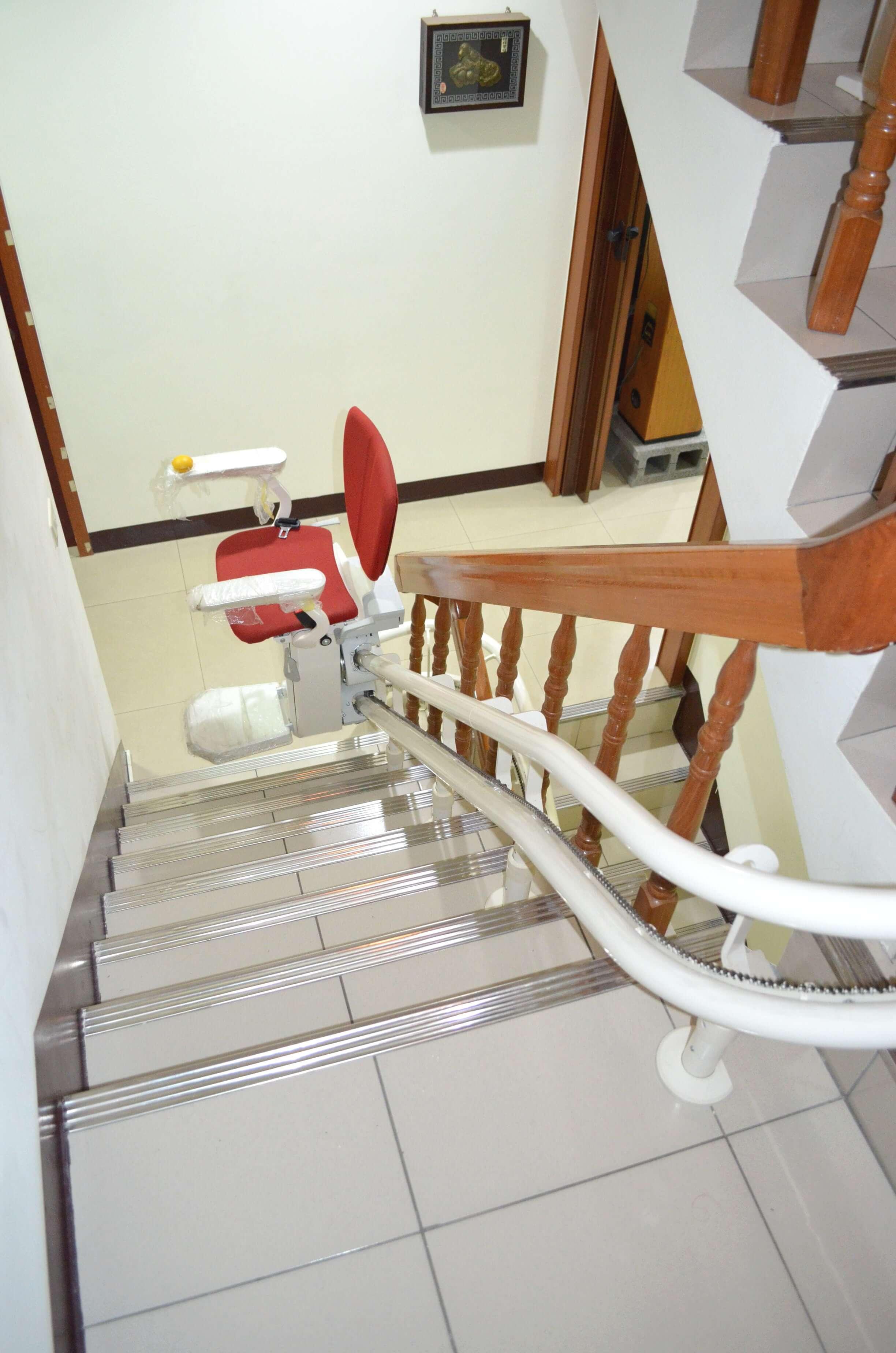 泓電樓梯座椅安裝