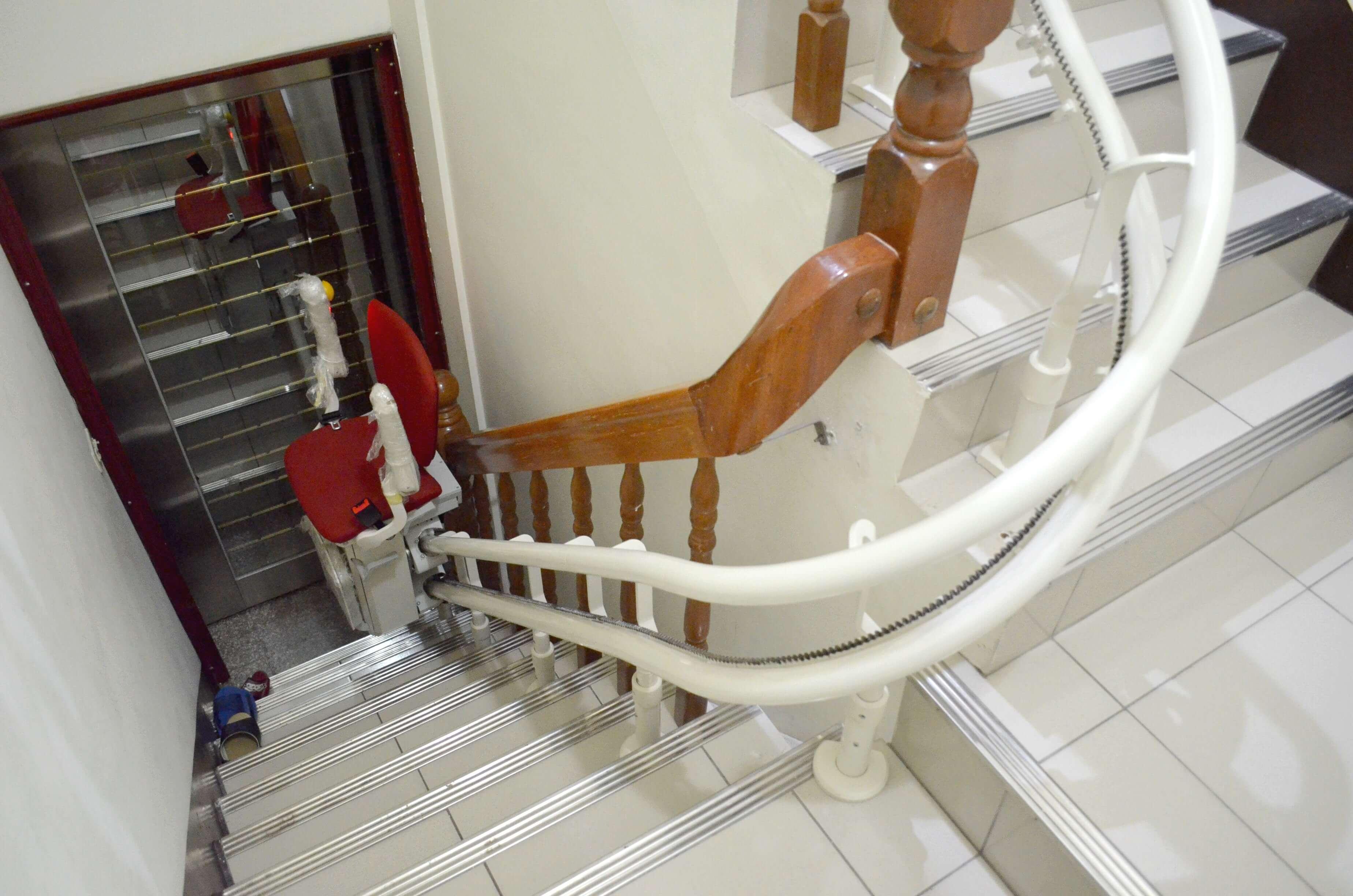 樓梯座椅軌道