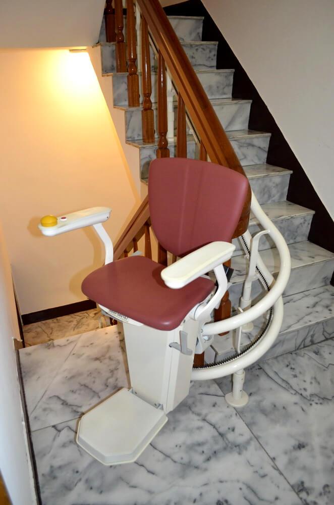泓電樓梯座椅自動轉彎
