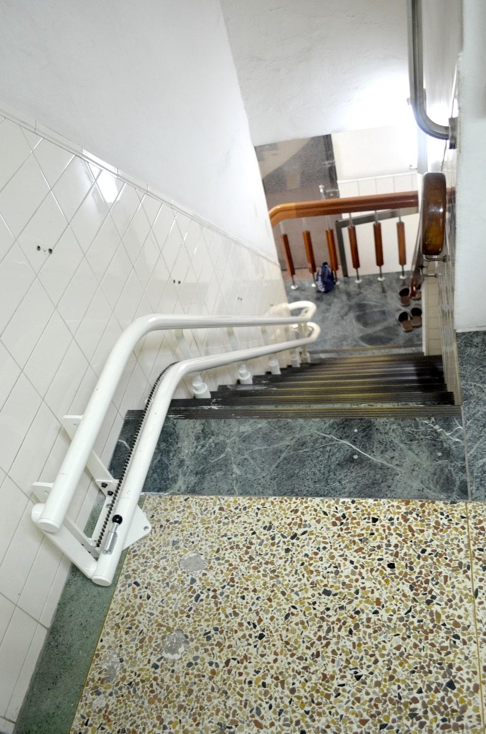 泓電電動樓梯椅軌道