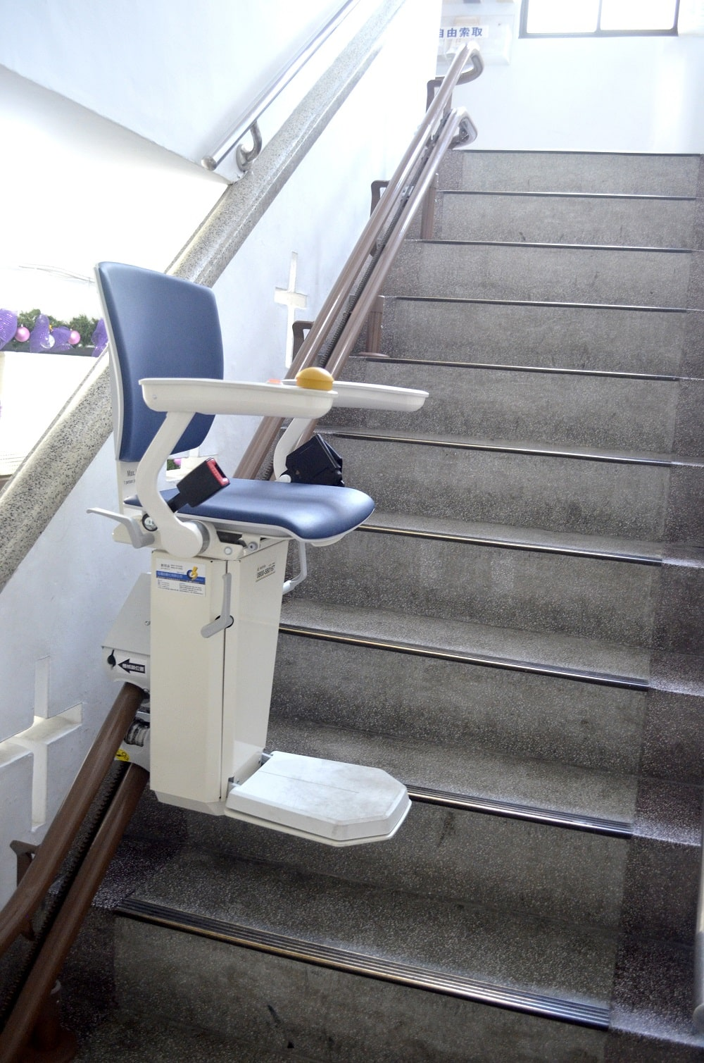 高雄鼓巖教會樓梯升降椅軌道