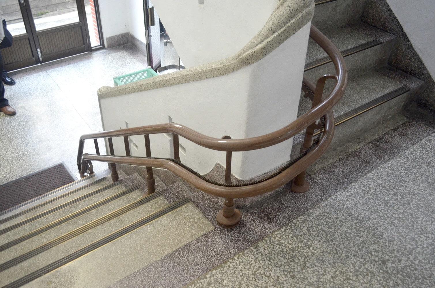 安裝樓梯升降椅,讓上下樓梯更方便