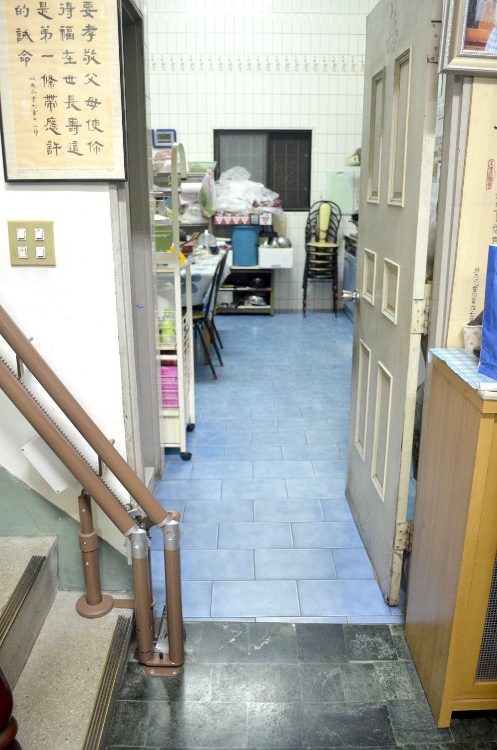 泓電樓梯升降椅,上下樓梯關節炎不再疼痛