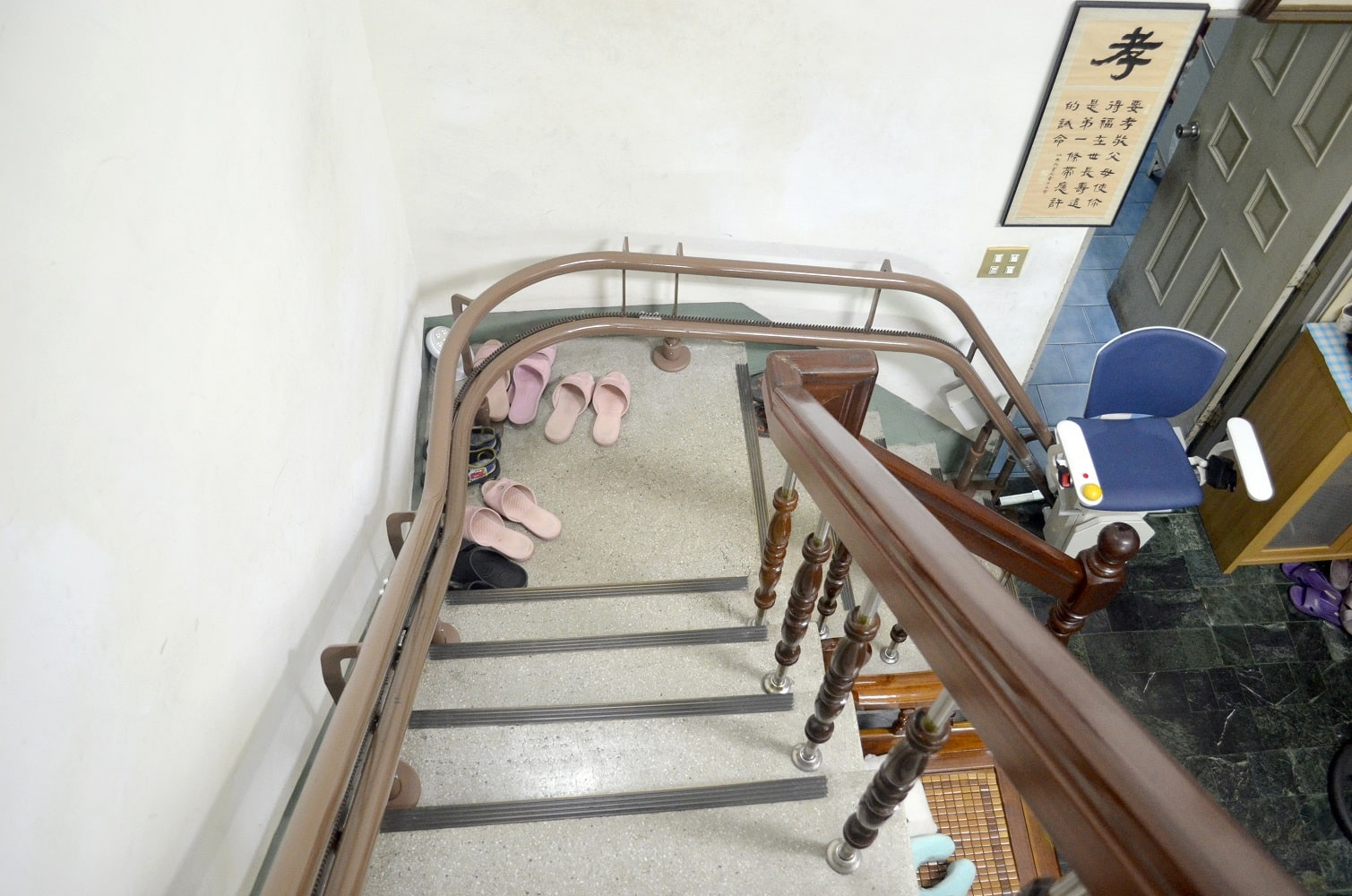 泓電樓梯升降椅軌道