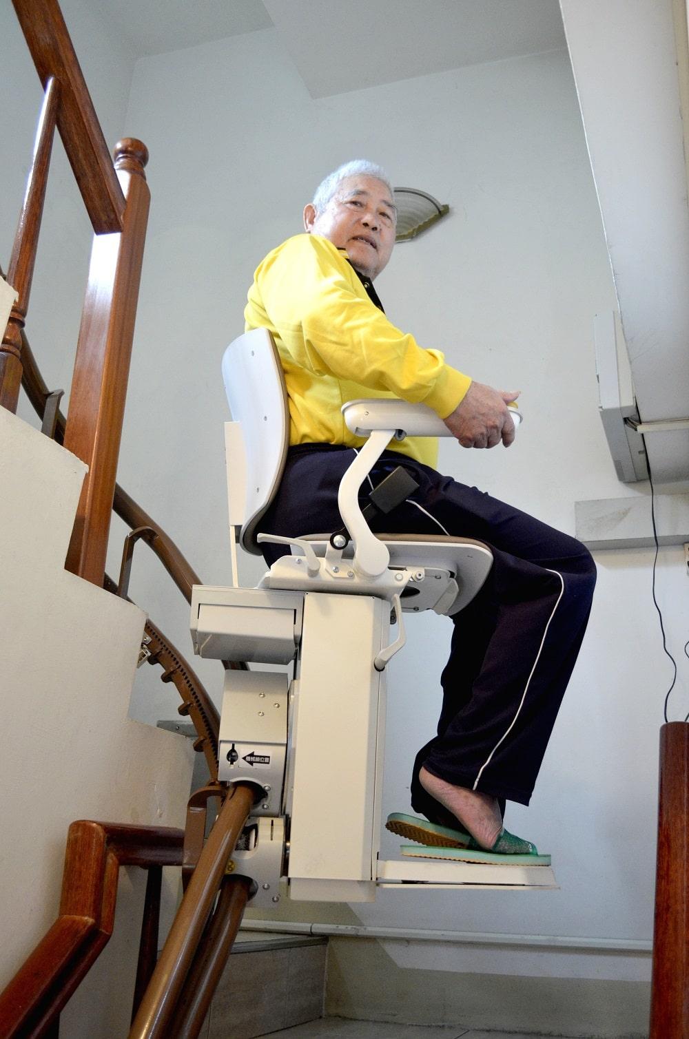 泓電樓梯升降椅,上下樓梯更便利