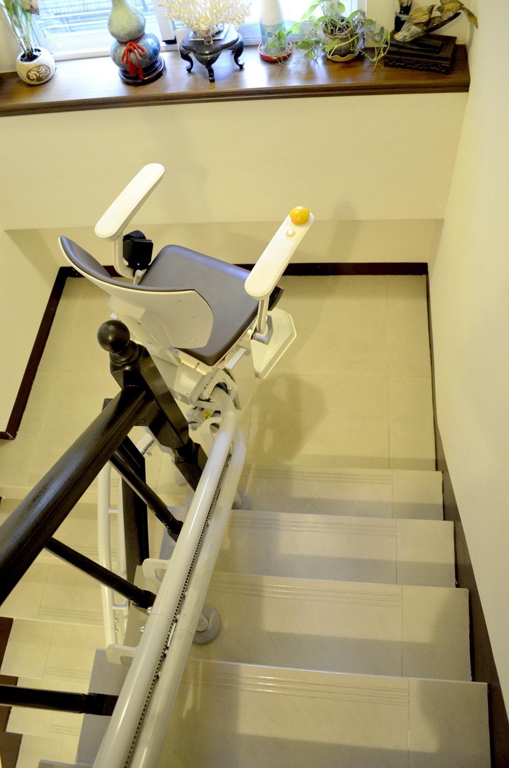 樓梯座椅安裝