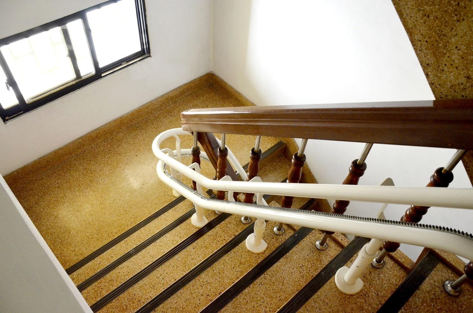 樓梯升降椅軌道可乘載130公斤
