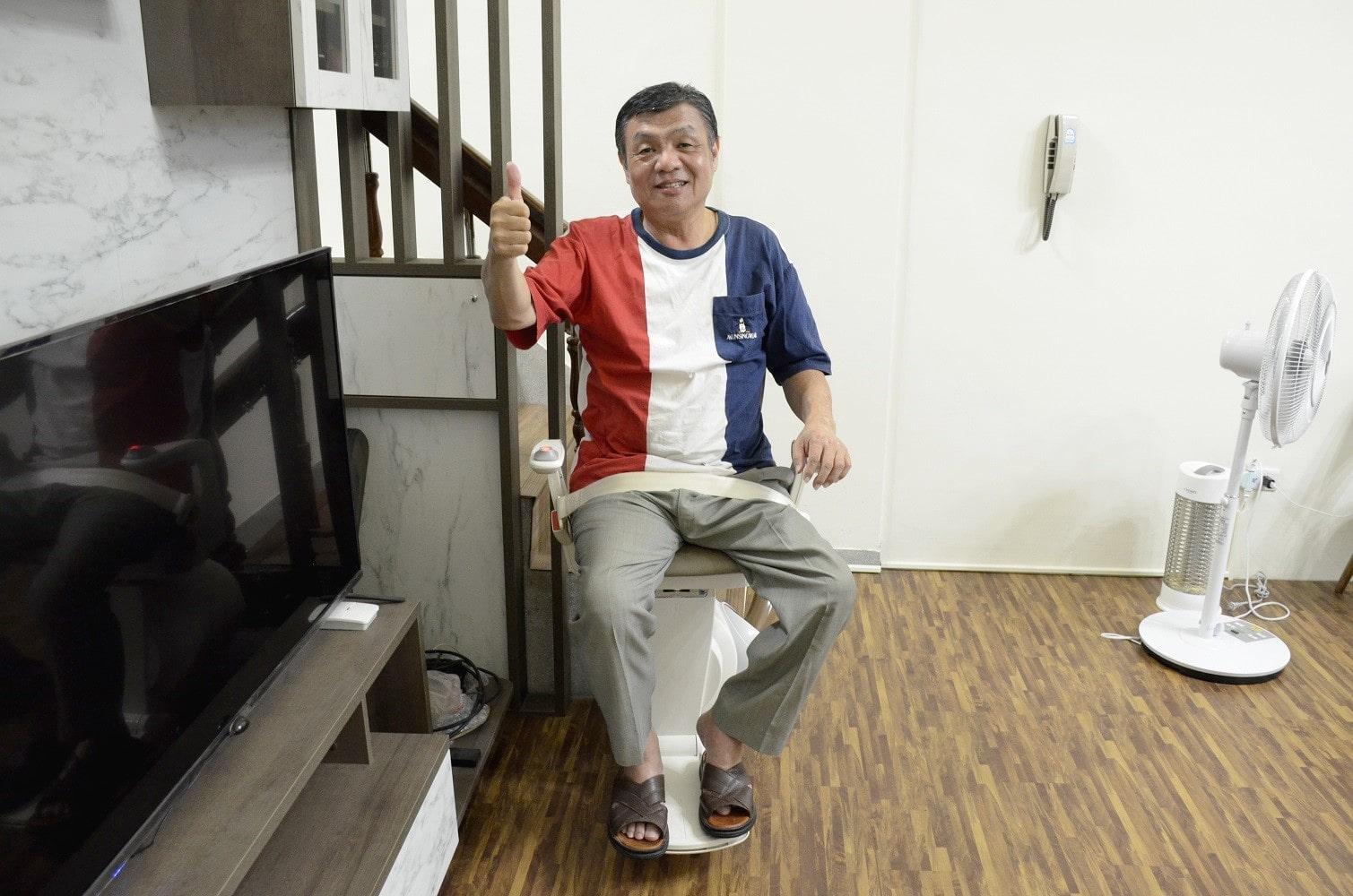 台中樓梯升降椅安裝案例 - 台中大里區陳大哥